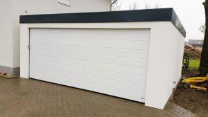 Bild Großraumgarage/Garage 6x6m weiß verputzt in Holzständerbauweise mit Sektionaltor