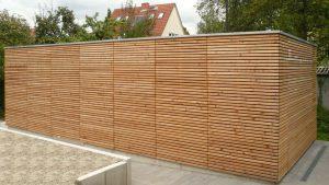 Bild Garage und Holz