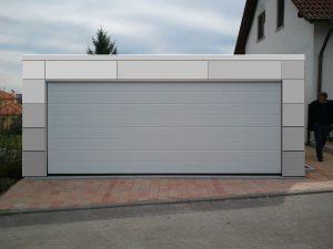Bild Moderne Garage mit Fassaden-Platten in Aluminium