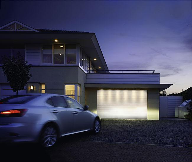 led garagentor beleuchtung dekoration bild idee. Black Bedroom Furniture Sets. Home Design Ideas
