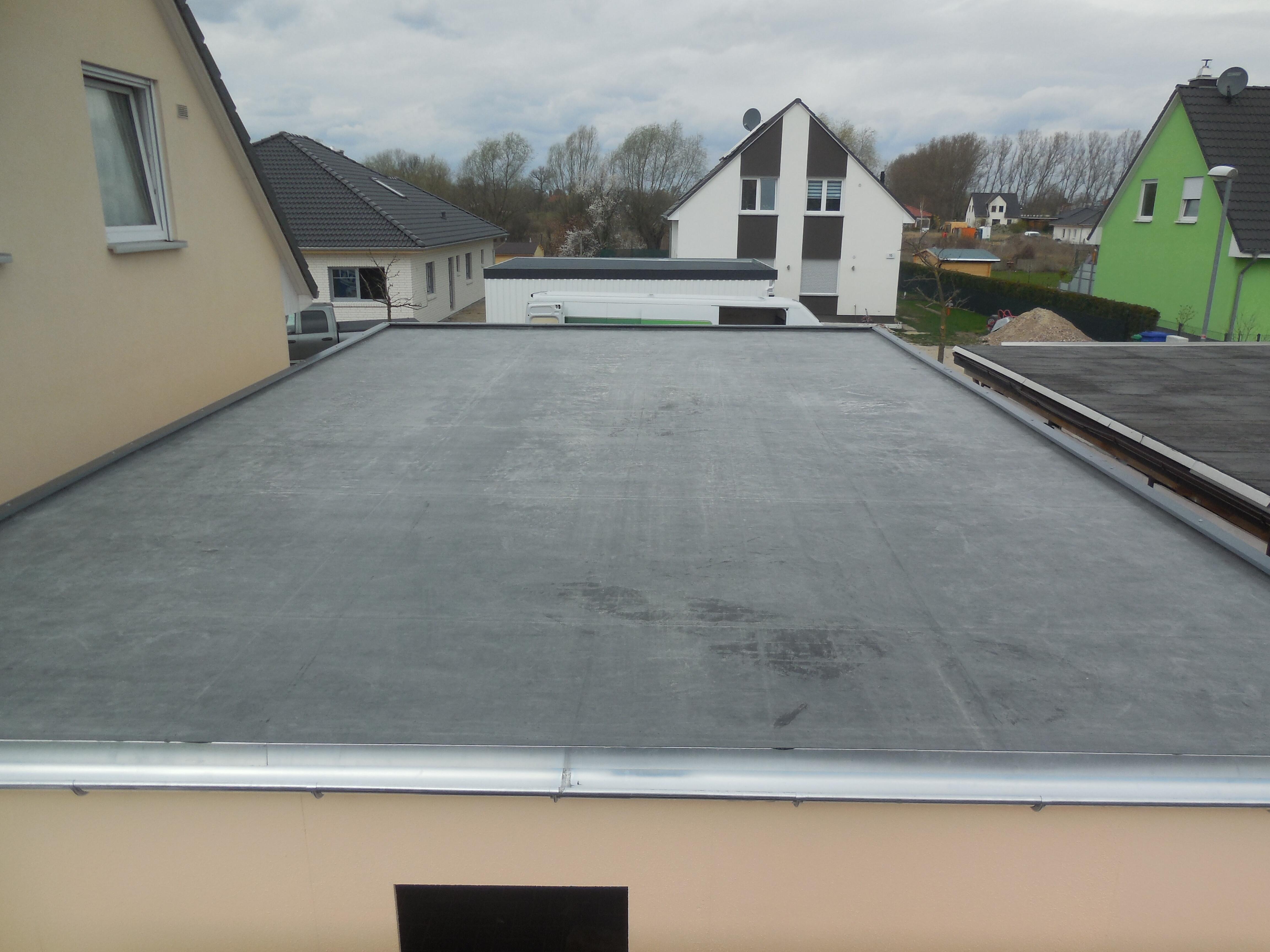 Dach Garage in Holzständerbauweise.