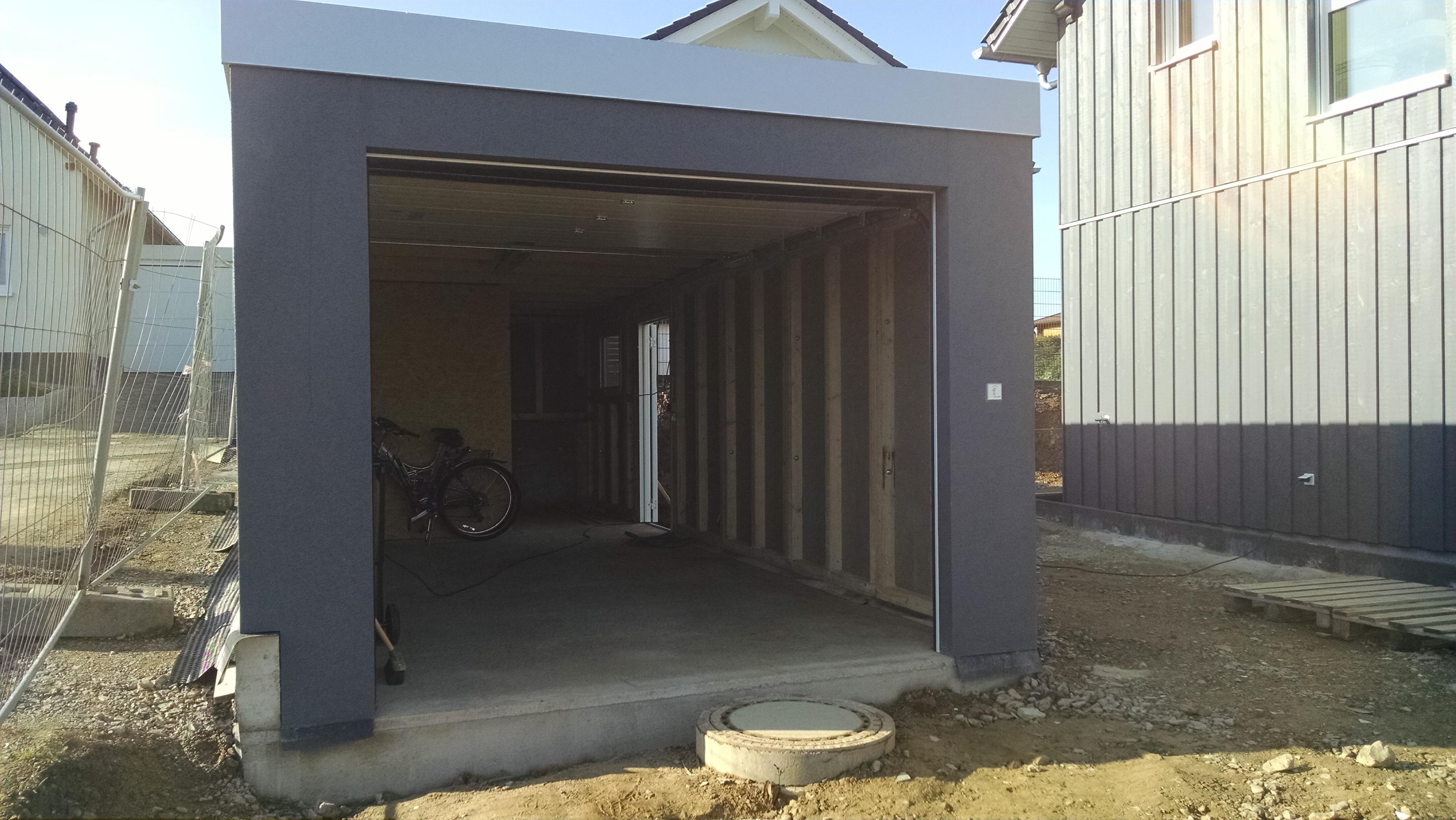 Fink Garage in Holzständerbauweise innen