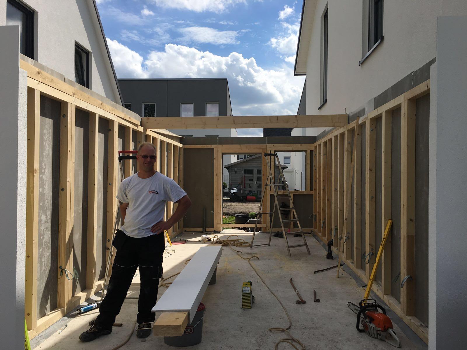 Aufbau Fink Garage in Holzständerbauweise in Gelsenkirchen.
