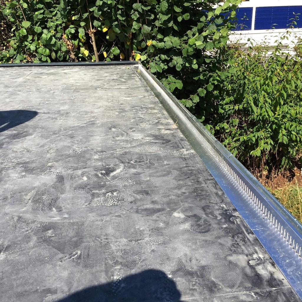 Lochblech bei Dachbegrünung von Garage