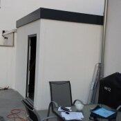 Fink Garage / Groß-Umstadt / Hessen - Rückseite überstehend mit Tür